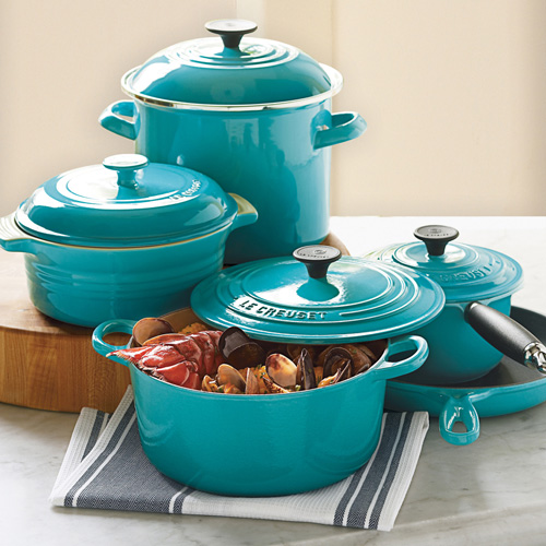 le creuset french ovens cookware tea kettles bakeware from le creuset. Black Bedroom Furniture Sets. Home Design Ideas