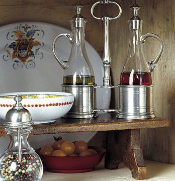 matching kitchen accessories match pewter italian kitchenware amp pewter table accessories 4039