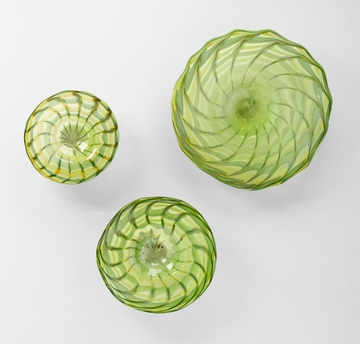 Medium Francisco Green Art Glass Plate by Cyan Design (Small and Large Plates Sold Separately)