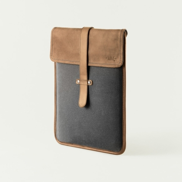Mission Mercantile Vertical Laptop Sleeve Charcoal - Oak Leather