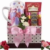 4 Valentine�s Day Gift Baskets to Surprise Your Sweetheart
