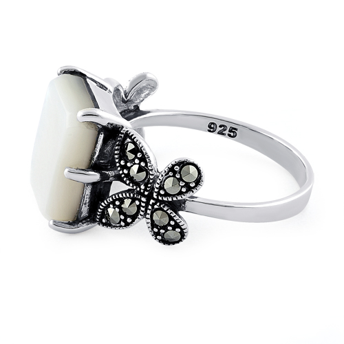 Mother of Pearl & 925 Sterling Silver Butterfly Ring KYEuUwRGcA
