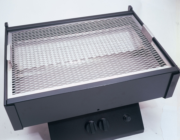 Phoenix Stainless Steel Propane Grill With Portable Base And 2 Shelves    SDSSOCP