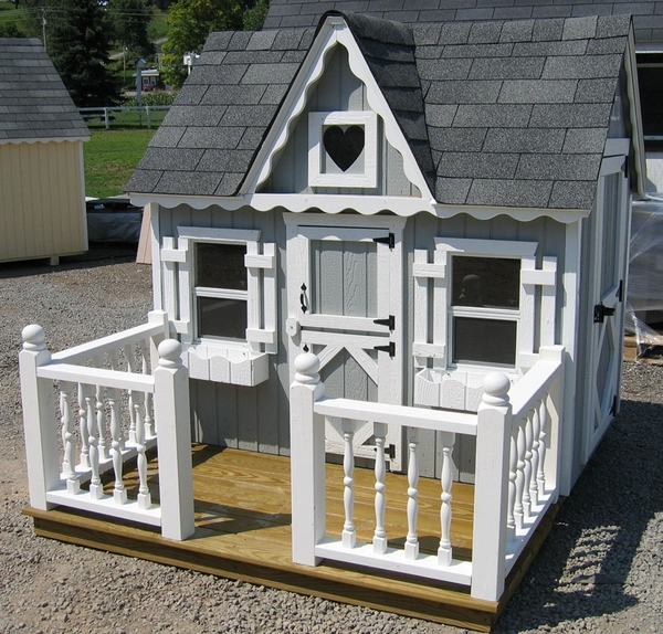 Small Victorian Wooden Outdoor Playhouse Kit 4 X 6 4x6: outdoor playhouse for sale used
