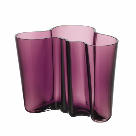 iittala aalto dark lilac vases iittala alvar aalto vases. Black Bedroom Furniture Sets. Home Design Ideas