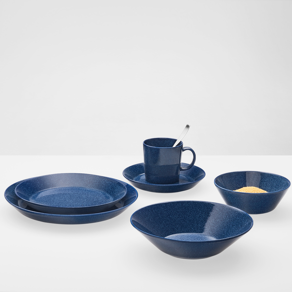 iittala teema dotted blue dinnerware iittala teema. Black Bedroom Furniture Sets. Home Design Ideas