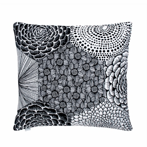 Lapuan Kankurit Ruut White / Black Throw Pillow