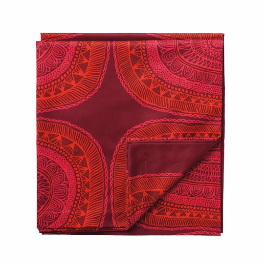 Marimekko Noitarumpu Short Red Tablecloth