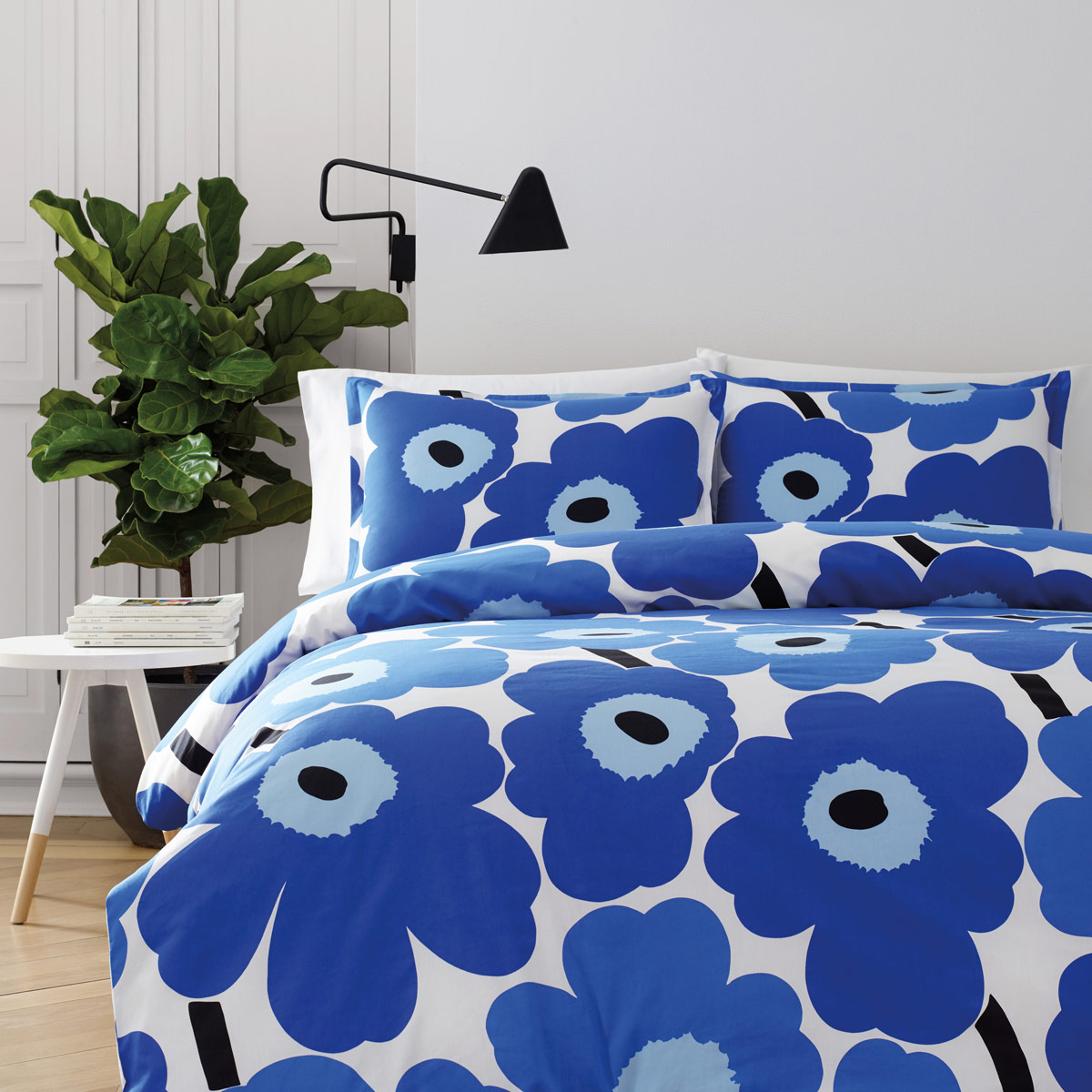 marimekko unikko blue twin duvet cover set marimekko unikko blue bedding. Black Bedroom Furniture Sets. Home Design Ideas