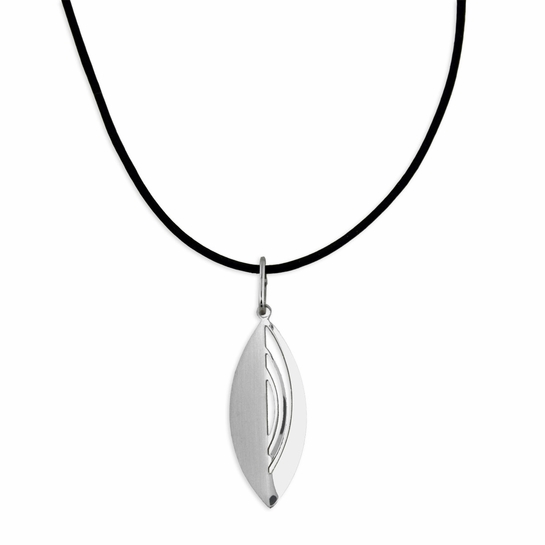 Pohjolan Helmi Leaf Necklace