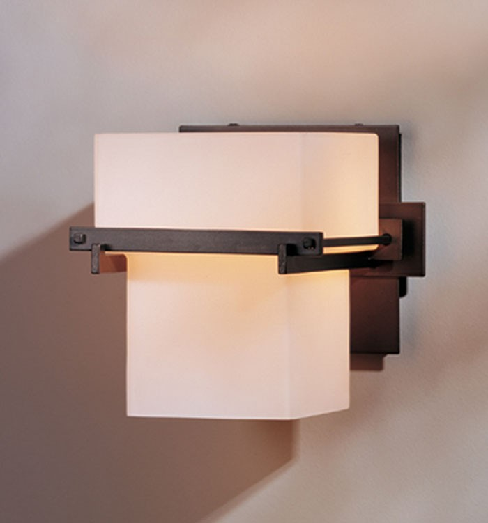 20 7831 Hubbardton Forge Kakomi 1 Light Bath Lighting Direct Wire Wall Sconce With Gl