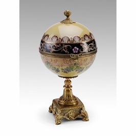 391756 Wildwood Lamps Footed Box - Porcelain With Solid Brass Finish