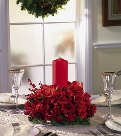 T077-04 Red Centerpiece