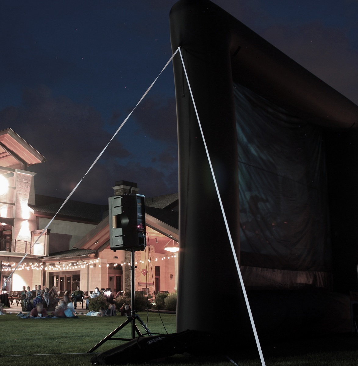 elite outdoor movies outdoor screen 195u0027 inflatable rear projection screen b17r - Projection Screens