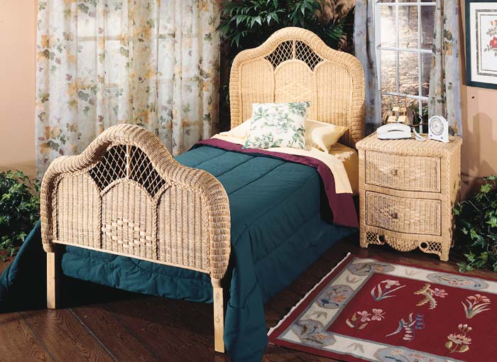 Charlotte Queen Size Bed Mf, Charlotte Queen Bed