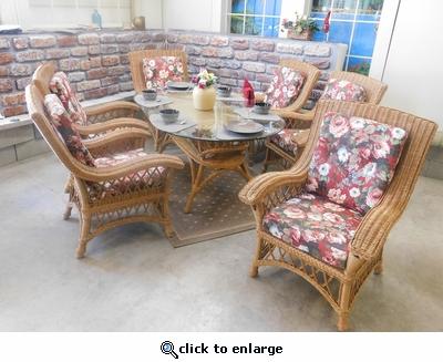 Meredian Oval Dining Set / 7