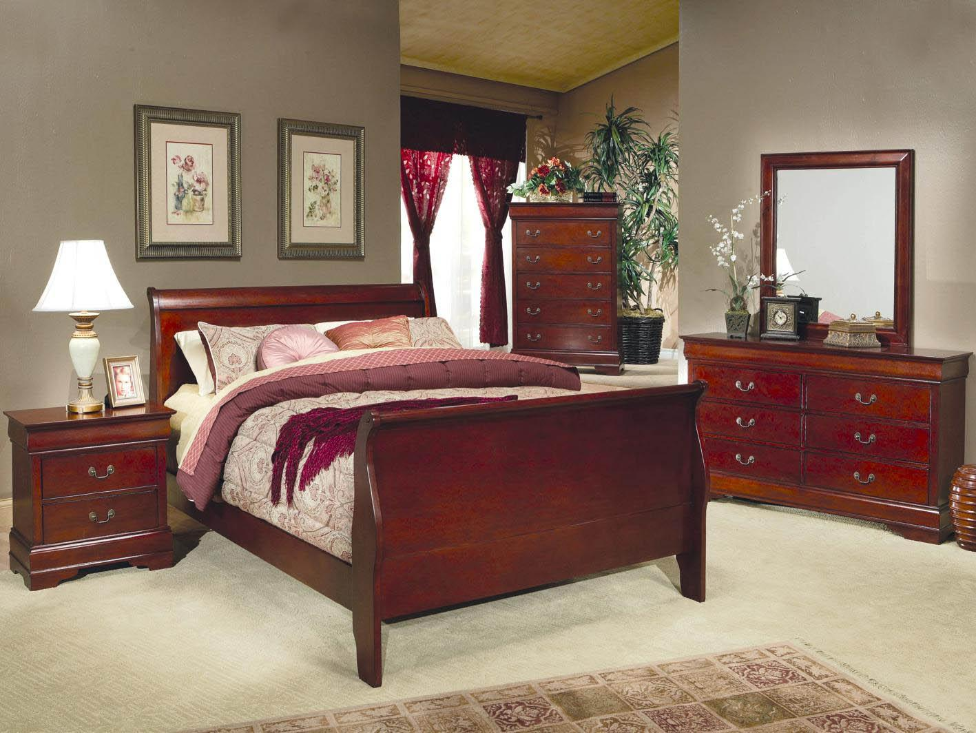 Ordinaire 4 PC Cherry Louis Philip Queen Collection