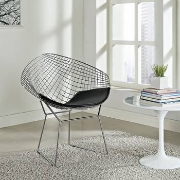 CAD LOUNGE CHAIR IN BLACK