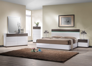 J&M The Sanremo B Queen Bed