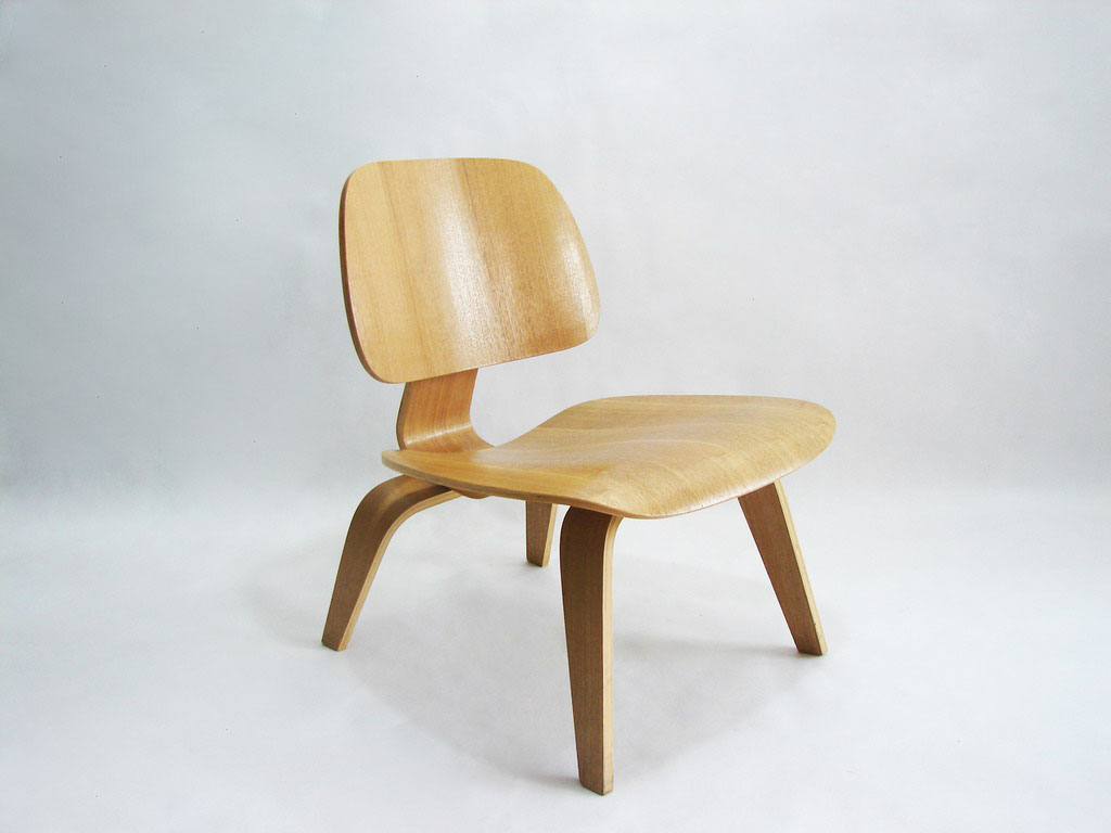 Bent plywood chair eames -