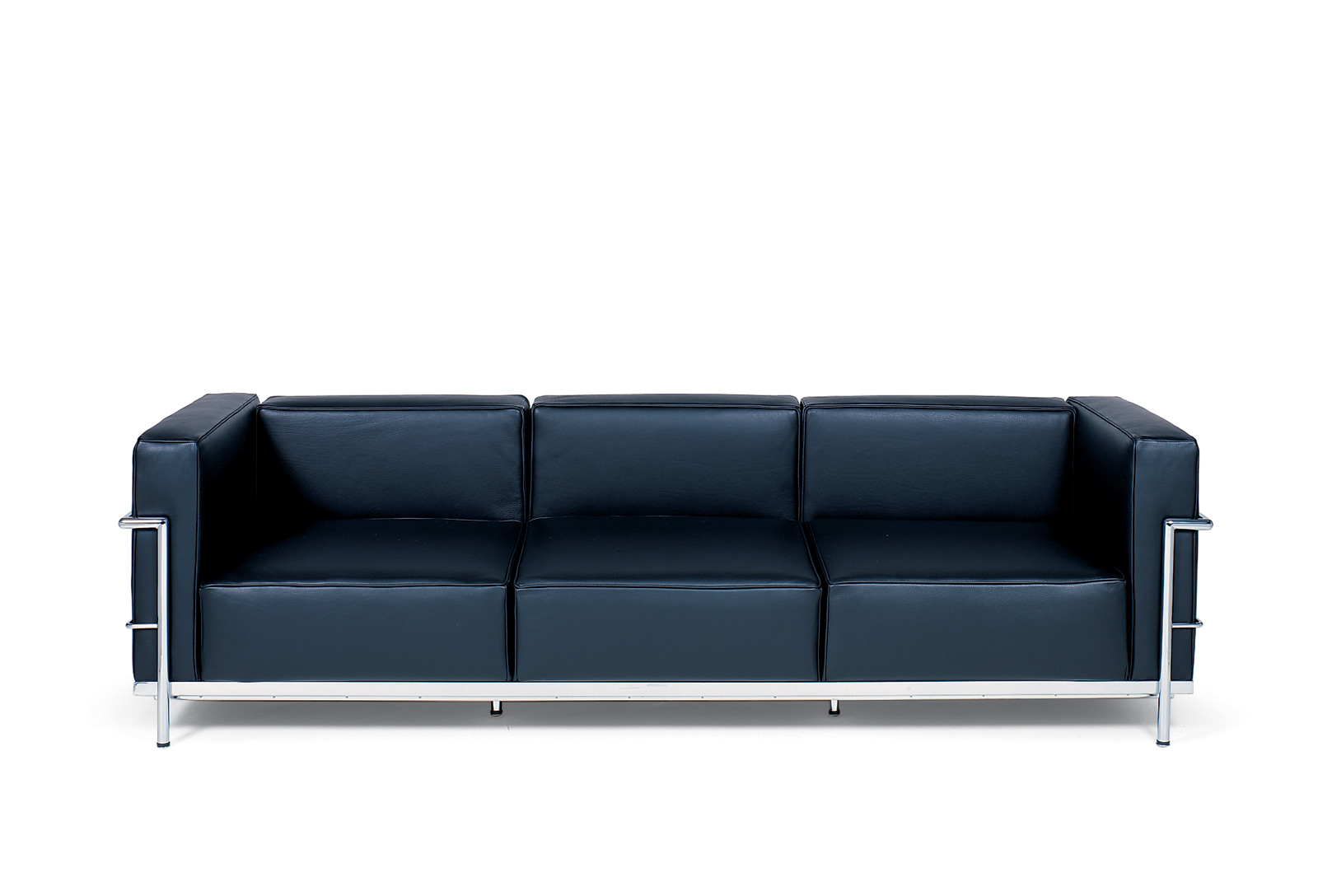 Shop le corbusier grande confort 82 sofa lc3b3 for only 1575 for Le corbusier sofa