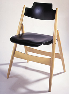 SE 18 Danish Modern Wooden Folding Chair by Wilde + Spieth - Click to enlarge