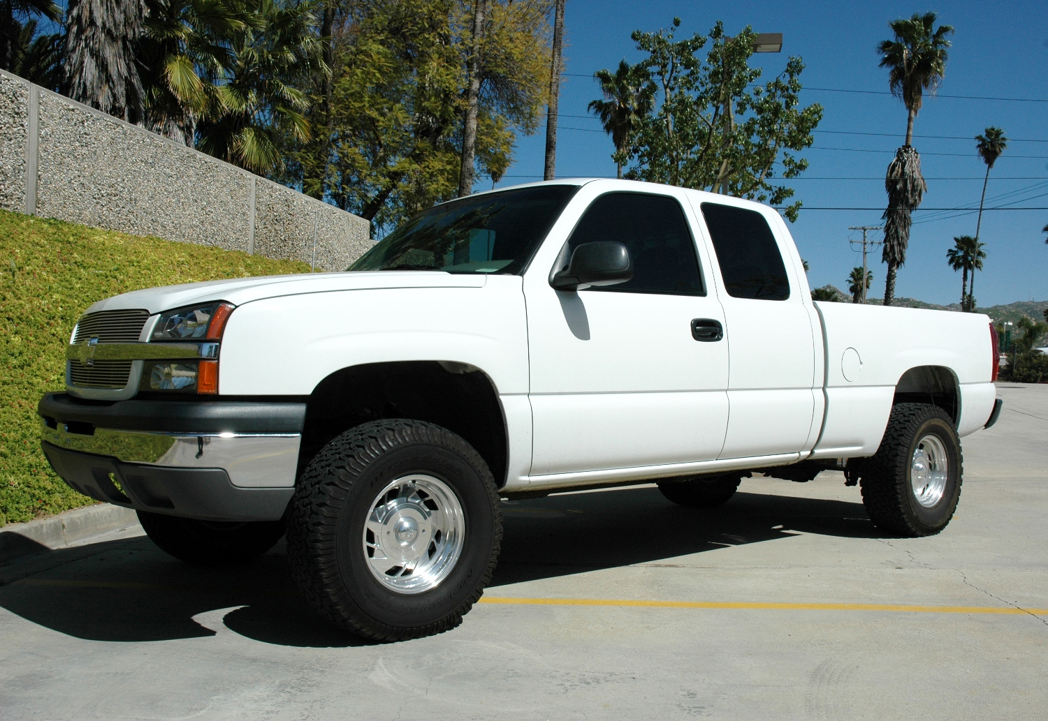1999 2006 chevy silverado gmc sierra 1500 2wd models lift kit crew cabs only by cst suspension 7 front 4 rear lift