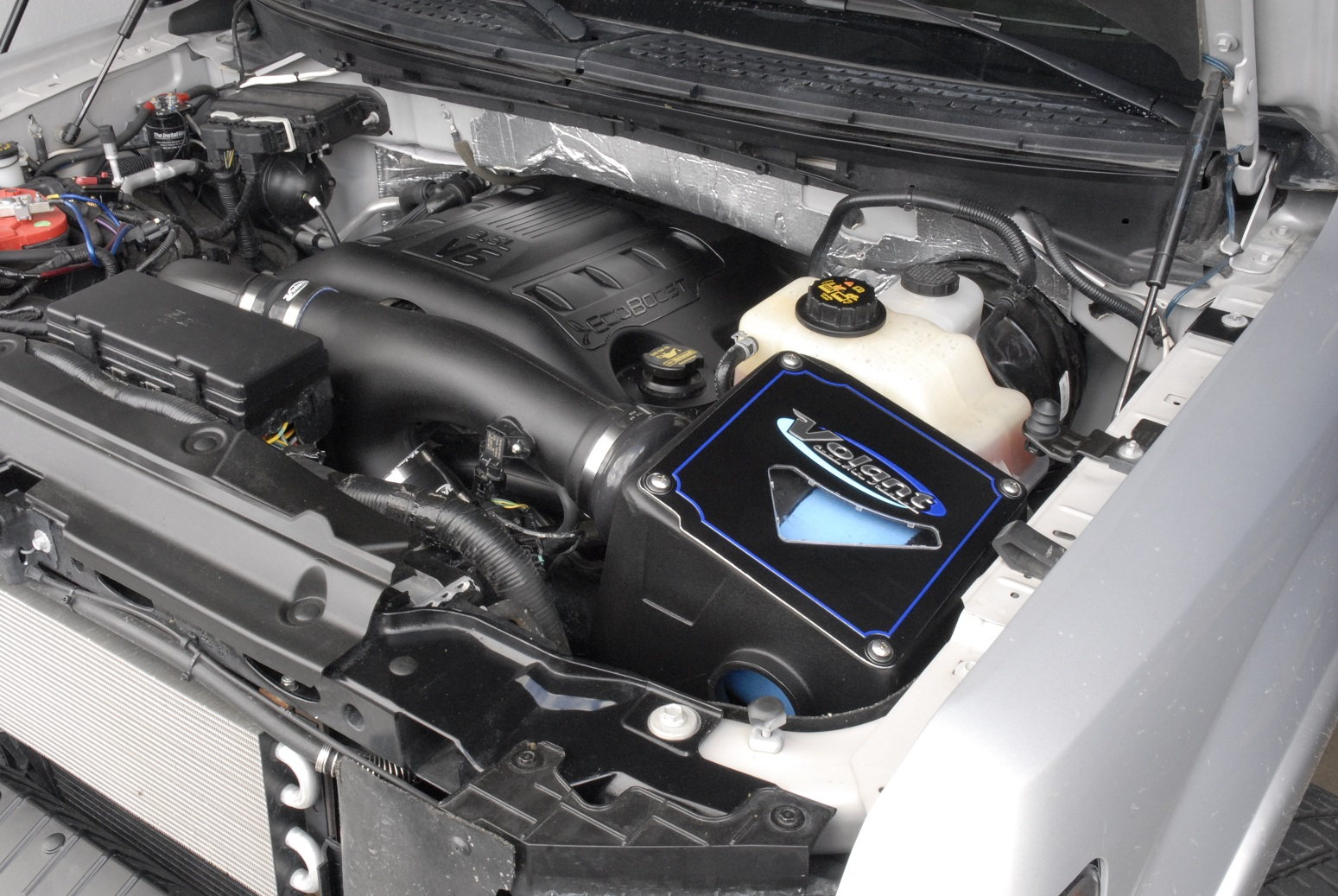 2012 2014 ford f 150 3 5 ecoboost volant powercore dry filter cold air intake