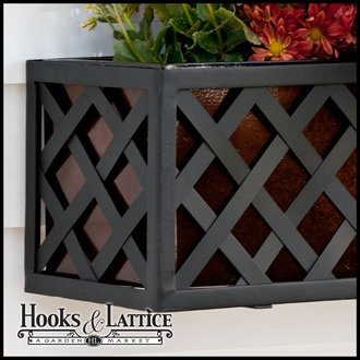 24in. Lattice Cage w/ Liner