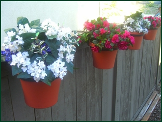 "8"" Fence Pot Holder"
