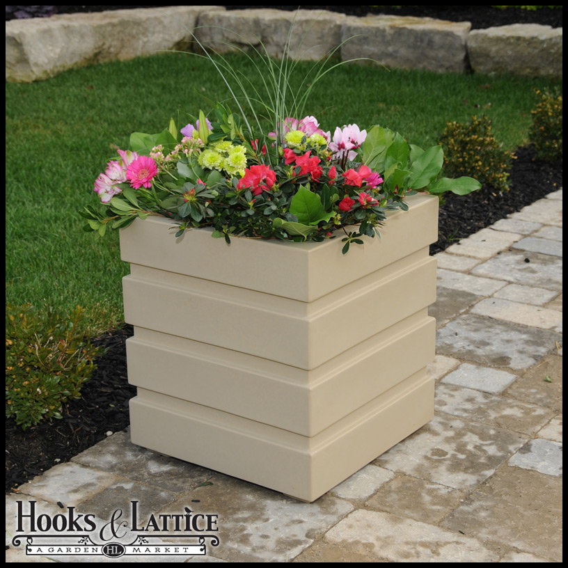 Superbe Freeport Patio Planters Click To Enlarge