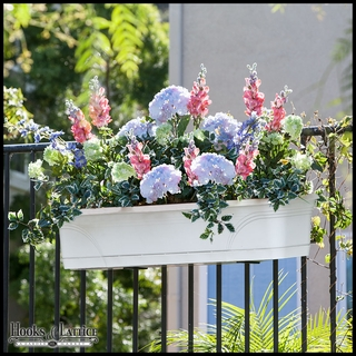 Medallion Plastic Window Box Planters or Liners