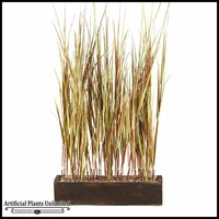 7' Onion Grass Screen in Rectangle Planter