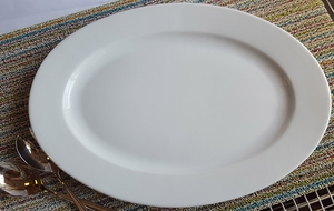 "20"" White Oval Platter - Click to enlarge"