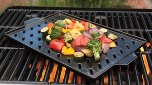 Charcoal Companion Ceramic Grilling Grid - Click to enlarge