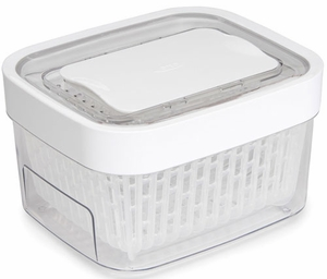 OXO 1.6 Quart GreenSaver Produce Keeper - Click to enlarge