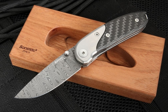 LionSteel Exclusive MINI 8200D-FC Carbon Fiber and Damascus Folder
