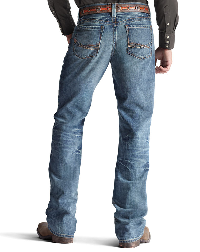 Relaxed Fit: Relaxed-fit jeans, which are loosely cut from waist to leg opening, are great for heavier men. The roomier shape of these blue jeans won't accentuate curves and bulges like other cuts will. Thin guys should avoid relaxed-fit jeans, as this cut can look loose and sloppy on skinny legs.