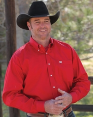 Cinch Men's Solid Long Sleeve Button Down Shirt - Red