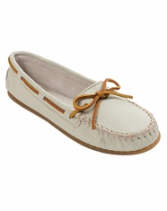 Minnetonka Women's Spring Boat Moccasins - Off White