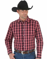Wrangler Men's Long Sleeve Wrinkle Resist Plaid Snap Shirt - Red (Closeout)