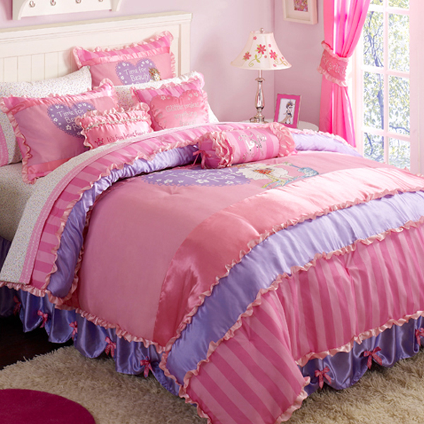 Attirant Fancy Nancy RSVP Bedding For Girls