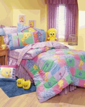 TWEETY'S GARDEN  TODDLER COMFORTER