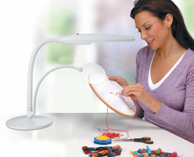 Daylight™ Table Top Daylight Magnifying Lamp - Click to enlarge