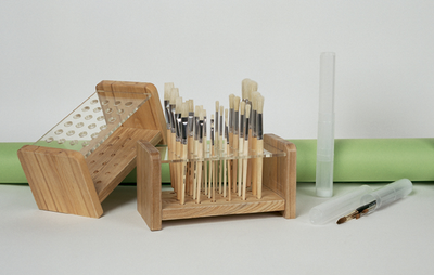 RICHESON WOODEN/ACRYLIC BRUSH HOLDER