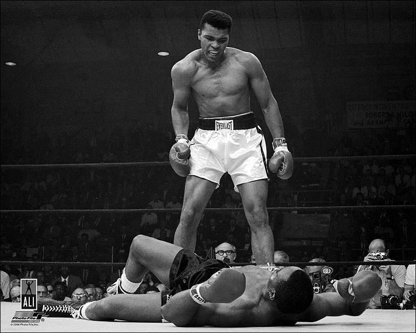 Boxer Ali Knocks Out Sonny Liston Photo Print