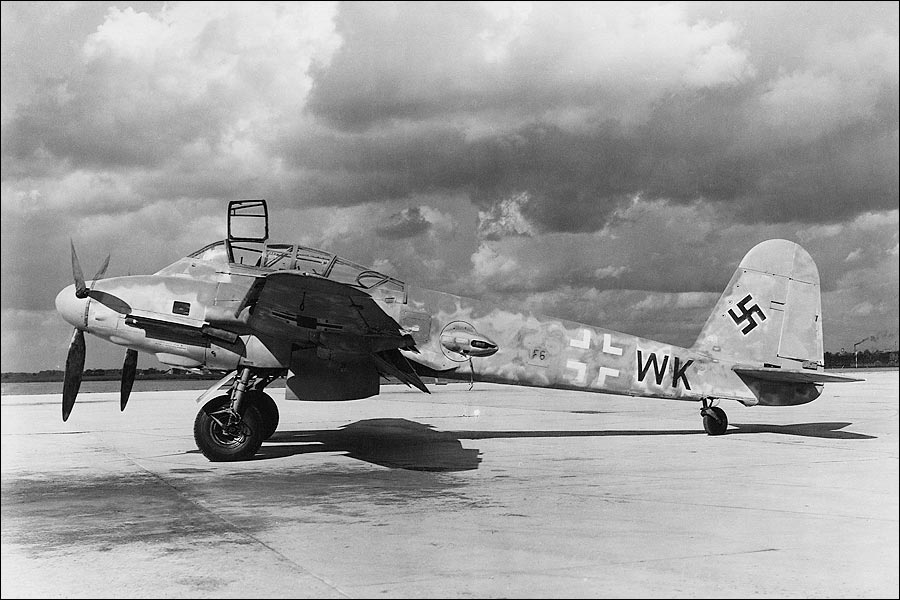 messerschmitt-me-410-wwii-aircraft-photo