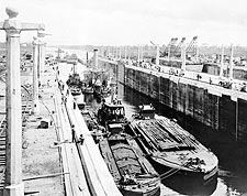 Panama Canal Lake Gatun Locks 1913 Photo Print for Sale