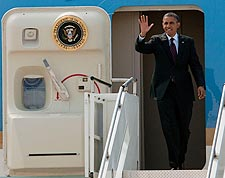President Obama Waves from Air Force One Photo Print for Sale