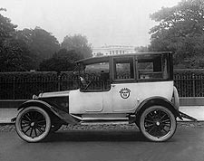 Taxicab & White House, Wash., D.C. 1921 Photo Print for Sale